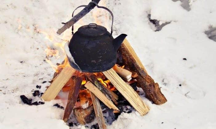 how to make a swedish log fire